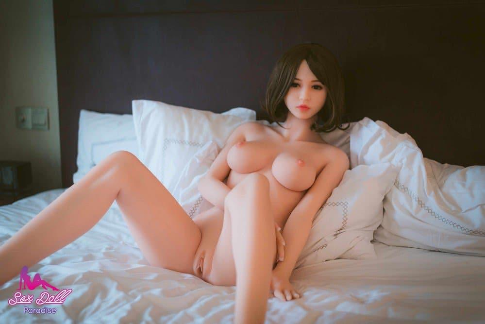 Liebespuppe porno